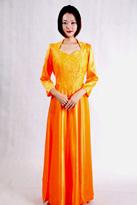橙色七分袖合唱服