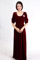 紫红丝绒合唱服