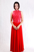 红色无袖合唱服