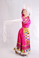 粉色白毛边藏族服装