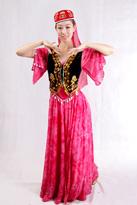 粉色黑马甲新疆服装