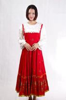 白袖红裙俄罗斯