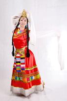 红色长款 藏族服装