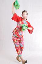 春回大地 汉族舞蹈服