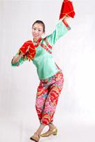 绿背面 汉族演出服装