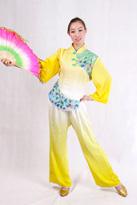 黄色渐变 汉族演出服