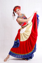 红色无袖彝族演出服装