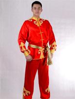 红色长袖打鼓服 汉族