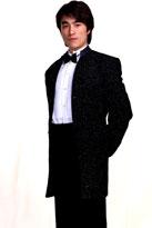 黑色闪亮男礼服