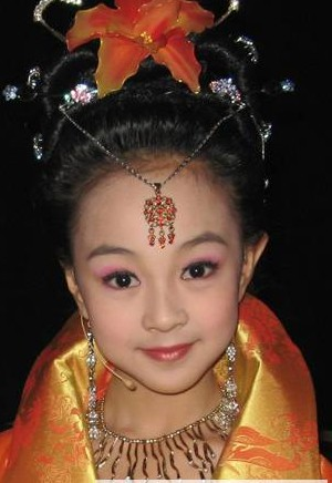 儿童妆面的画法_儿童舞台妆的画法_儿童舞台妆眼影画法_淘宝助理