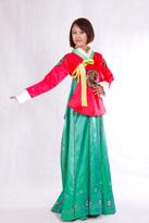 红绿朝鲜民族服装