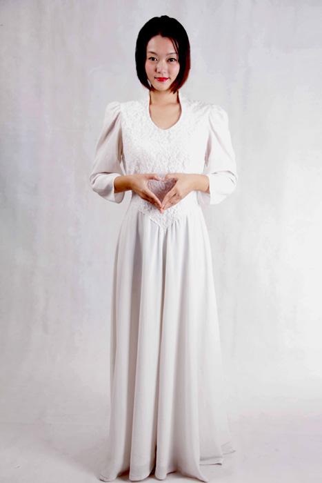 白色长款合唱服装