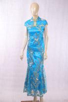 天蓝色旗袍