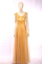 金色长款晚礼服