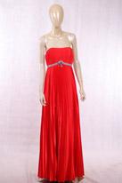 大红色抹胸款晚礼服